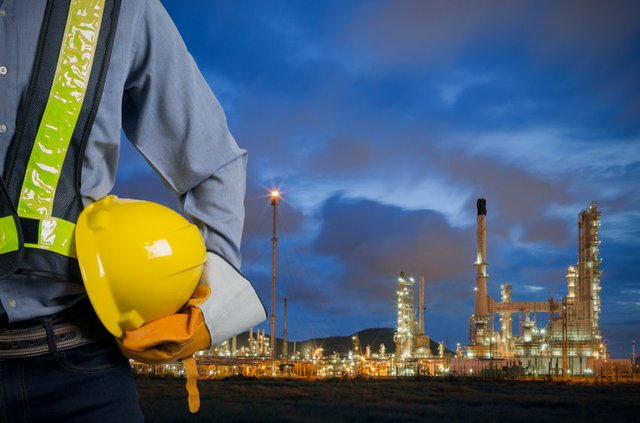 Plant worker, refinery