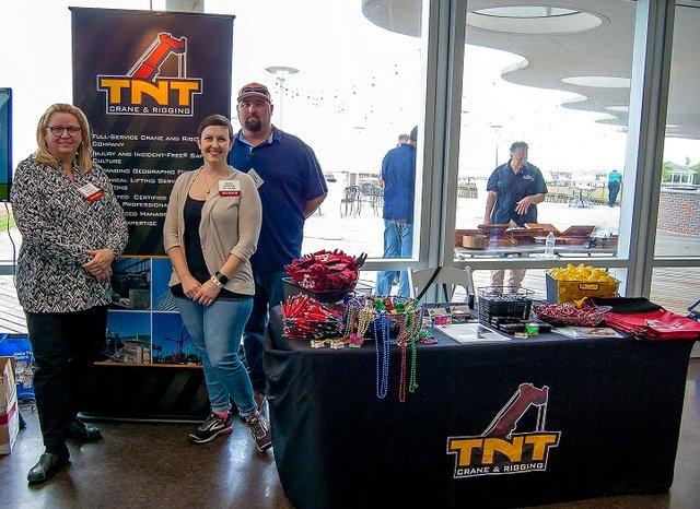 TNT Crane & Rigging 1 v2.jpg
