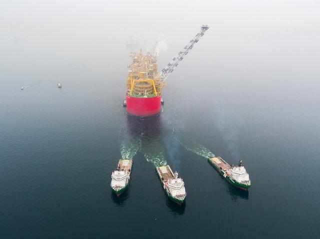 prelude-leaving-shi-shipyard.jpg