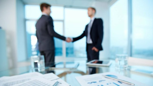 banking shaking hands.jpg