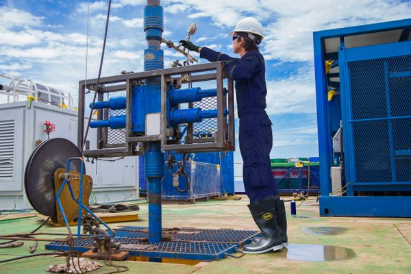 Boss-Boots-Oil-and-Gas-Image 2.jpg