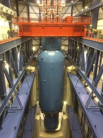 Mammoet moving nuclear reactor.JPG