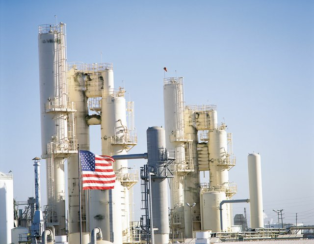 Refinery with US flag.JPG