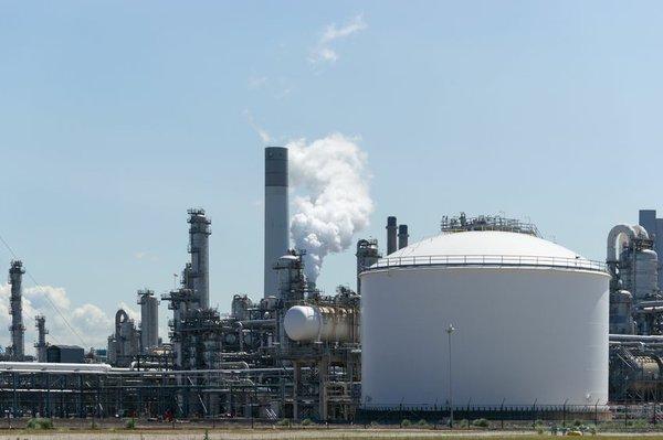 Oil terminal 3.jpg